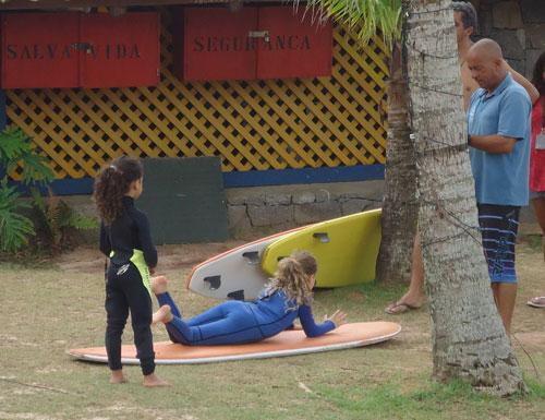 aula de surf infantil