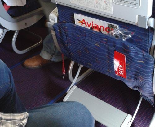 funtrip avianca -espaço da aeronave