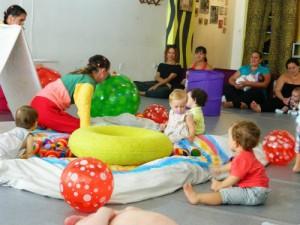 CUCO – A linguagem dos bebês no teatro