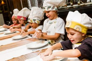 oficina-de-pizza-para-mini-chefs-alessandro-e-federico